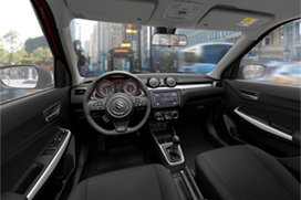 Komfortowa kabina pasażerska Sportowa kierownica (D-shape)