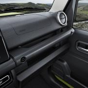 Materiały odporne na zarysowania Praktyczny uchwyt dla pasażerów