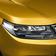 Nowy wygląd przednich lamp Reflektory LED (Hi-Low) w standardzie Reflektory LED (Hi-Low) w standardzie