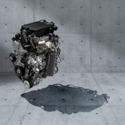 """Silnik benzynowy 1.4 BOOSTERJET Połączony z układem """"mild hybrid"""""""