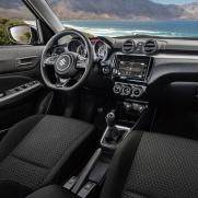Komfortowa i przestronna kabina pasażerska Sportowa kierownica