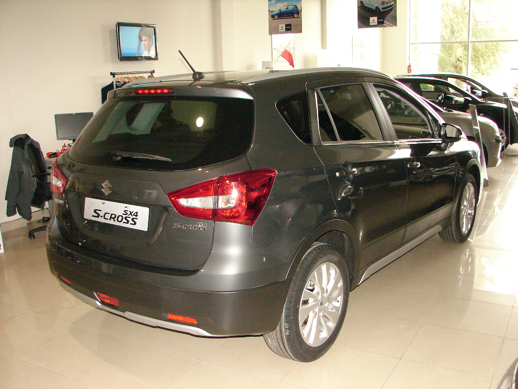 SX4 S-Cross  6 M/T Premium 2WD