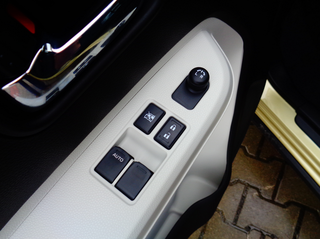 Ignis  5 M/T 4WD Premium