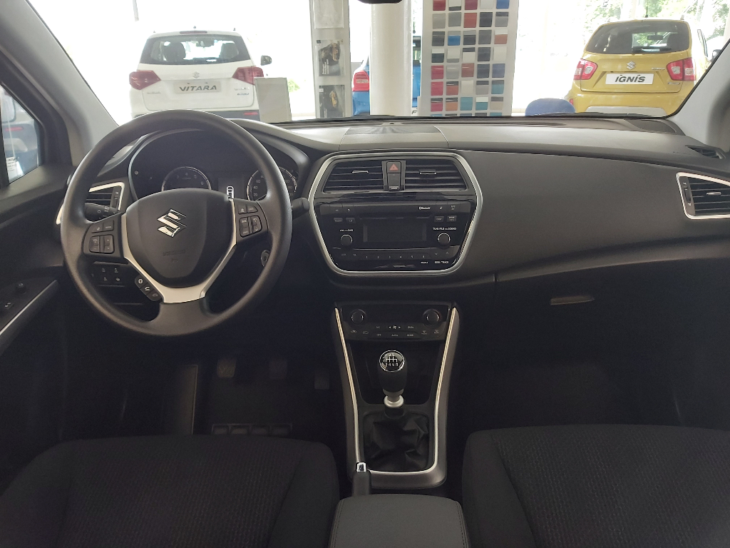 SX4 S-Cross Hybrid  6 M/T Comfort