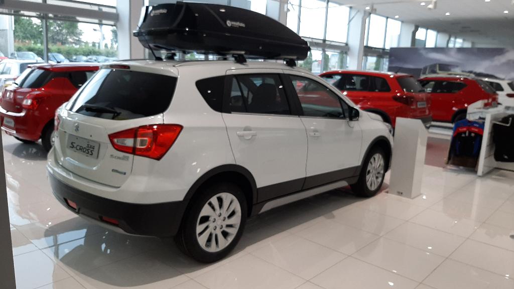 SX4 S-Cross Hybrid  6 M/T Premium 2WD